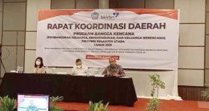 Sekretaris Daerah Bolmut, Dr. Drs. H. Asripan Nani, M.Si, saat membawakan materi pada program Bangga Kencana di Manado