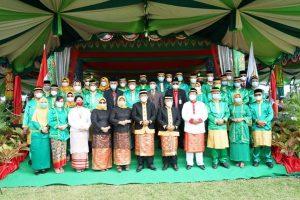Bupati dan Wakil Bupati beserta pimpinan SKPD usai upacara HUT Bolmut