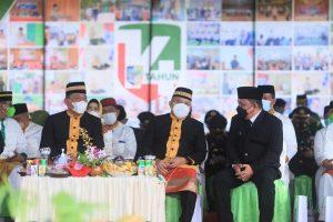 Bupati dan Wakil Bupati Bolmut saat mengikuti jalannya upacara HUT Bolmut
